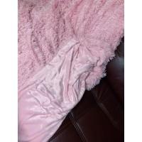 Пушистый плед темно-розовый